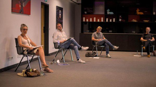 """Teilnehmende beim Auf! Schwung!-Workshop """"Raus aus der Resignation - rein in die Ideenvielfalt"""""""