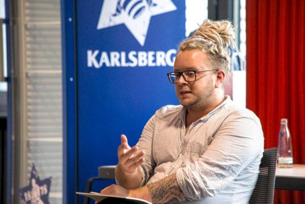 """Fabian Schmidt beim Auf! Schwung!-Workshop """"Raus aus der Resignation - rein in die Ideenvielfalt"""""""