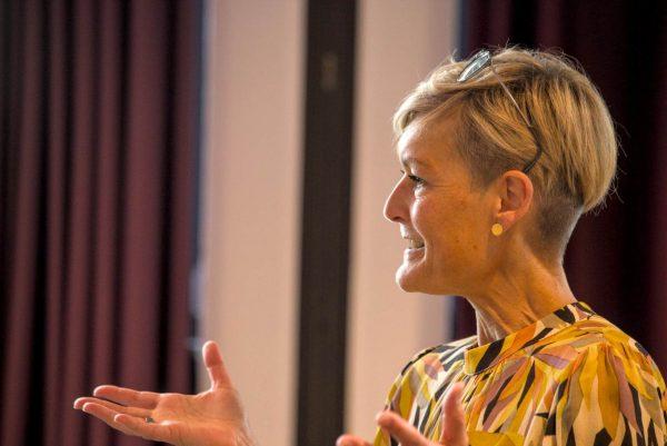 """Barbara Bourguignon beim Auf! Schwung!-Workshop """"Raus aus der Resignation - rein in die Ideenvielfalt"""""""